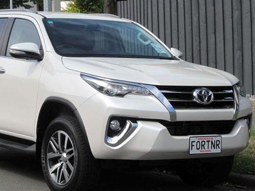 Toyota-Fortuner-2018